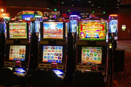 Слоты онлайн от казино Император для любителей роскоши